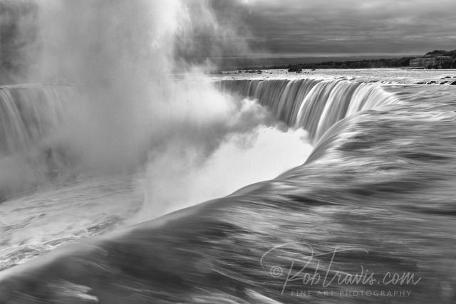 Horseshoe Falls, B&W _DSC0195