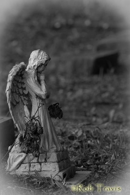 St. Lawrence Cemetery. Child's grave.